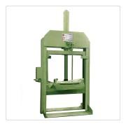 1100L液压出料机